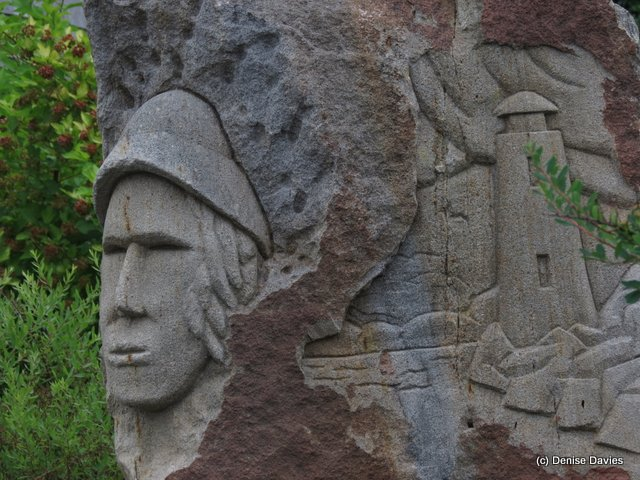 Carved Fisherman and Lighthouse Cribbons 0103